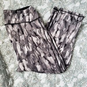 Pattern Crop Leggings